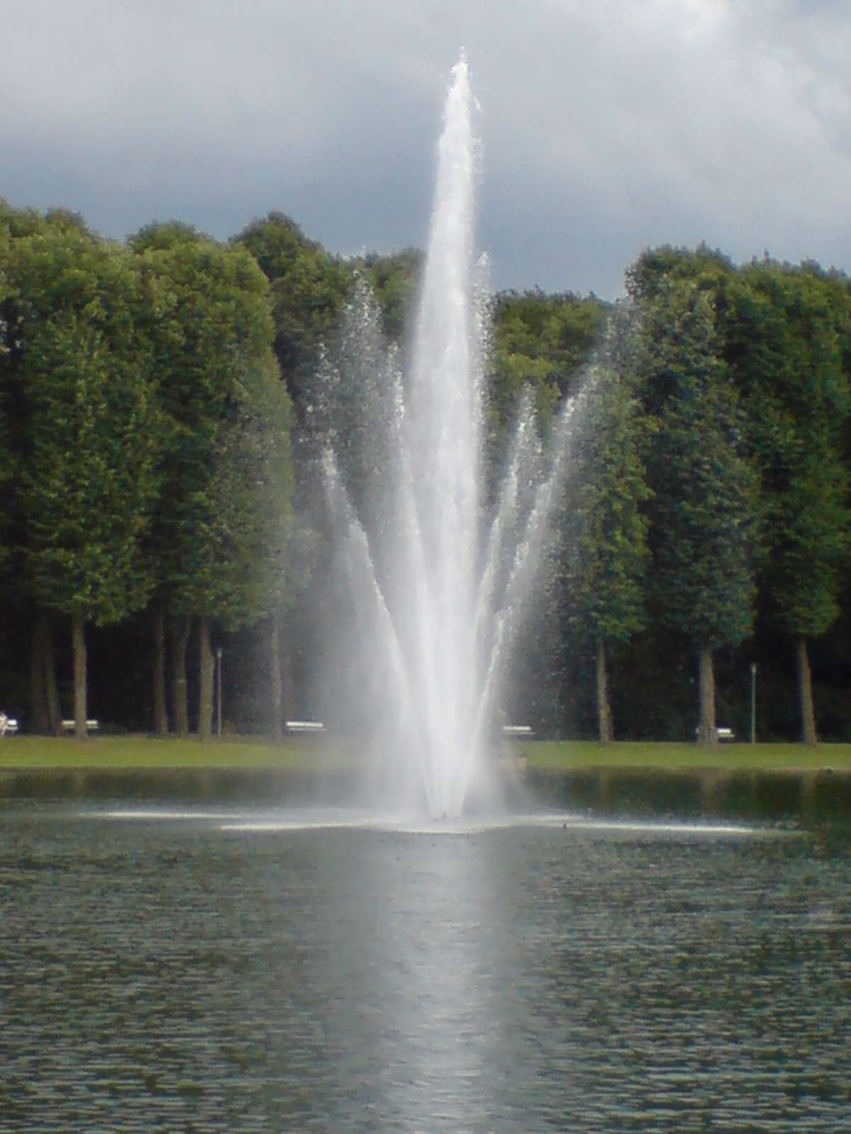 Lake fountain vincent stahl photo library for Pond fountains